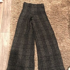SOLD Zara heavy Knit black and white pants
